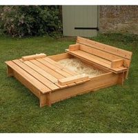Sandbox where lid turns into benches. Brillz!