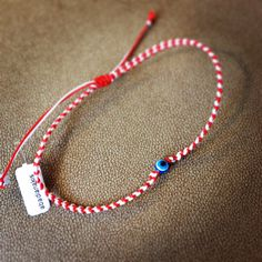 Not your regular macrame evil eye March bracelet! Handmade Accessories, Handmade Jewelry, Beaded Necklace, Beaded Bracelets, Boho Jewelry, Jewellery, Diy Beauty, Macrame, March