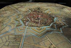 Makieta fortyfikacji miasta Bergues, północna Francja (fot. Velvet, Wikimedia Commons, CC 3.0)