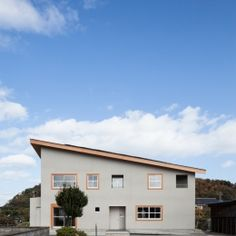 HA-HOUSEの部屋 外観 Distillery, Facade, Interior Architecture, Garage Doors, Interior Designing, Carriage Doors