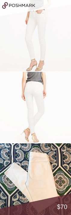"""JCrew white jeans These JCrew white jeans are perfect for the summer! They go with everything and make everyone look amazing! I bought these and took off the tags to wear them once but haven't worn them since because the were alittle snug on me. They are in perfect condition! The inseam is 28"""" and are 8"""" from the top of the pant to the inseam. They are skinny jeans made with stretch material! jcrew Jeans Skinny"""