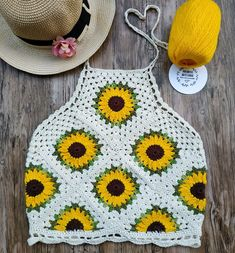 Authorial model, made especially for you who love sunflowers and want to feel . Crochet Jumper Pattern, Crochet Crop Top, Crochet Blouse, Crochet Patterns, Crochet Crafts, Crochet Yarn, Crochet Projects, Crochet Stitch, Mode Crochet
