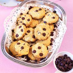 Bjud på gammaldags kafferep med en spröd chocolate chip cookie.