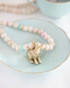 EASY BEADED BUNNY NECKLACE DIY