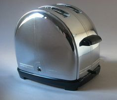 I NEEEEEEEED this restored 1930s toaster - follow the link for more amazing vintage toasters and kitchen gadgets