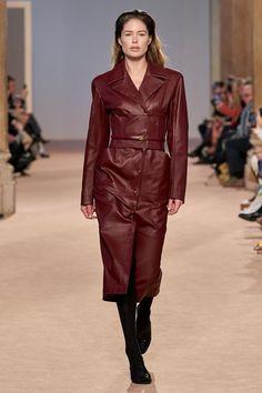 Salvatore Ferragamo Fall 2020 Ready-to-Wear Fashion Show - Vogue Salvatore Ferragamo, Fashion 2020, Daily Fashion, Fashion Hub, Fashion Weeks, Milan Fashion, Street Fashion, Fashion Trends, Fashion Tips