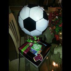 Caja decorada para desayuno ♥ Motivo: Fútbol Equipo: Vinotinto Evento: Aniversario