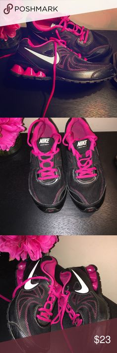 Nike relax run 7 black/pink size 6 Nike shoes in fair condition size 6. Nike Shoes Athletic Shoes