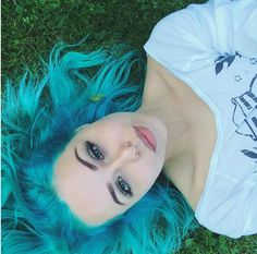 Arctic Fox Hair Color is cruelty-free, semi-permanent hair dye that is made only from vegan ingredients. - Donated to Help Animals - Vegan & Cruelty-Free - Non-GMO Protein - Lon Love Hair, Gorgeous Hair, Semi Permanent Hair Dye, Arctic Fox Hair Color, Bright Hair, Dye My Hair, Grunge Hair, Coloured Hair, Mermaid Hair