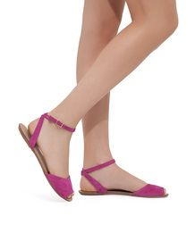 Cute shoes, love the color!
