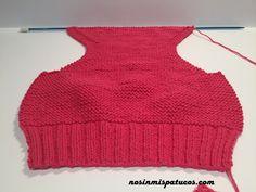 Cubre pañal tejido con dos agujas. Talla 0-3 meses. Materiales utilizados: agujas 2,5, agujas de 3,0, un ovillo de katia mississippi 3, color 765.