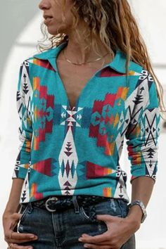Ethnic Geometric Gradient Print Lapel Collar Women T-shirt Trendy Clothes For Women, T Shirts For Women, Daily Fashion, V Neck T Shirt, Long Sleeve Tops, Arm, Fashion Outfits, Sleeves, Ethnic