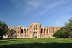 Rice University Announces Free Tuition for Low and Middle-Income Students University Of San Diego, Rice University, University Of Virginia, University Of Washington, Stanford University, College Costs, College Campus, Amherst College, Modern Gothic