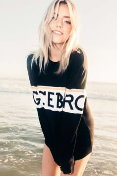 Pyper America Smith stars in Iceberg's fall-winter 2017 campaign It's a sibling outing for Iceberg's fall-winter 2017 campaign which stars Pyper America Smith and Lucky Blue Smith. Photographed by 19-year-old Samuel Trotter, the images feature the backdrops of Venice Beach and the L.A. River. For women, Pyper America wears comfortable sweaters, denim and logo embroidery....[Read More]