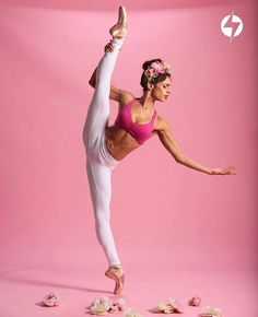 """@Regrann from @blogilatesdesigns - """"For me, dance makes my body feel at home. Ballet is just as physical as it is mental, and when I leave the ballet studio, I feel connected with myself. I crave that connection constantly. I believe having a healthy body starts with a healthy mind, and dancing helps me find balance within my soul which makes me feel balanced within my body."""" -@kyliesheaxo  You can just see and feel the passion and love Kylie has for ballet through this photo! It's so…"""
