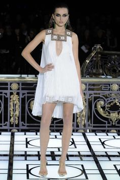 Sexy Atelier Versace haute couture spring 2013 runway