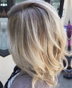 More of Katie's shadow root ✨ • • • • • #jilmorrishair #blonde #blondehair #balayage #rootshadow #rootsmudge #highlights #balayagehighlights #ombre #balayageombre #hair #haircut #hairstyle #hairdo #haircolor #haircare #joico #hotonbeauty #americansalon #behindthechair #btcpics #1000orbust #modernsalon #bescene #imallaboutdahair #beautylaunchpad #fiidnt #style #fashion #womensfashion