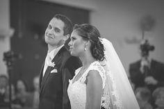 Noiva Bruna Divino com nosso Arranjo Acácia - http://www.tullenoivas.com
