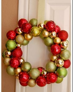 Dollar store christmas ornament wreath great idea lots of dollar solutioingenieria Image collections