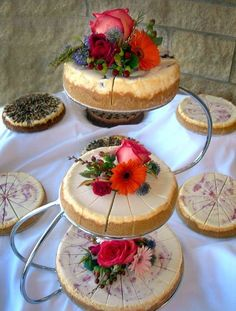 Grooms cakes, cheesecakes