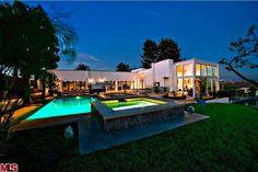 Nice pool and huge house