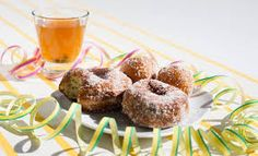 Vappu simaa ja munkkeja Muffin, Breakfast, Food, Morning Coffee, Essen, Muffins, Meals, Cupcakes, Yemek