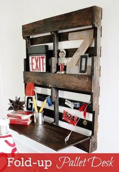 Folding Pallet Desk DIY >>>> Easy to make pallet desk with a fold-up top. Perfect for a hallway or small space, this pallet desk is a true space saver.