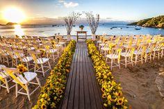 Country Wedding Bride And Groom - - - Wedding Backdrop Fabric Beach Ceremony, Wedding Ceremony, Wedding Venues, Wedding Signs, Wedding Goals, Wedding Planning, Rose Wedding, Dream Wedding, Sunflower Wedding Decorations