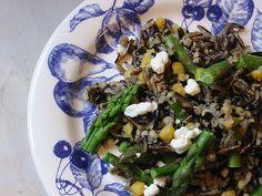 Spring Wild Rice Salad - Dulcedo  http://dulcedoblog.blogspot.com/2008/05/spring-wild-rice-salad.html