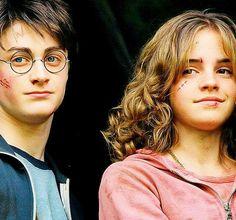 This HD wallpaper is about Emma Watson, Hermione Granger, Daniel Radcliffe, Harry Potter, Original wallpaper dimensions is file size is Hermione Granger, Harry Potter Hermione, Ginny Weasley, La Saga Harry Potter, Mundo Harry Potter, Harry Potter Facts, Harry Potter Universal, Harry Potter Movies, Harry Potter Fandom