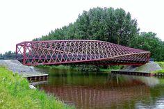 The Twist Bridge, Vlaardingen, The Netherlands   by Ken Lee 2010