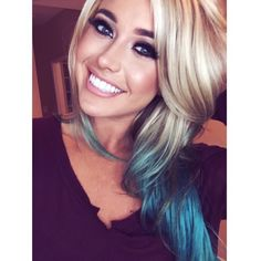 I've always thought about adding teal to my hair but I don't want my blonde to get stained Love Hair, Gorgeous Hair, Bright Hair, Coloured Hair, Purple Hair, Hair Dos, Pretty Hairstyles, Hair Hacks, New Hair