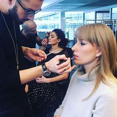 In der Maske für den annabelle Prix de Beauté: Chefredaktorin Silvia Binggeli und stv. Chefredaktorin Jacqueline Krause-Blouin. #20jahreprixdebeauté #prixdebeaute #prixdebeaute2017 #annabellemag_annagrams @lancomeofficial @giorgioarmaniofficial @yslbeauty  via ANNABELLE MAGAZINE OFFICIAL INSTAGRAM -Celebrity  Fashion  Haute Couture  Advertising  Culture  Beauty  Editorial Photography  Magazine Covers  Supermodels  Runway Models