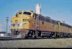 Net Photo: UP 535 Union Pacific EMD at Spokane, Washington by Roger Lalonde Location Map, Photo Location, Union Pacific Railroad, Spokane Washington, Covered Wagon, Rock Island, Rolling Stock, Diesel Locomotive, Santa Fe