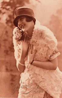 Lovely Sepia Flapper Lady - The Graphics Fairy