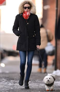 Olivia Palermo wearing Report Jude Moto Boot, Westward Leaning Children of California Sunglasses, Woolrich Dames Artic Parka and AG Adriano Goldschmied Absolute Legging Jeans in 6 Years-Dive. Estilo Olivia Palermo, Olivia Palermo Lookbook, Olivia Palermo Style, Cold Weather Fashion, Winter Fashion, Style Work, Celebrity Look, Looks Style, Star Fashion