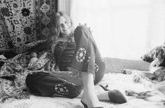 Baron Wolman, Janis Joplin (1943-1970) nella sua casa di Haight-Ashbury, San Francisco, novembre 1967