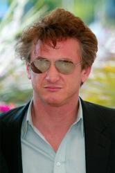 Sean Penn Lectures Harvard Students on Haiti