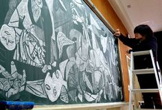 Japanese Teacher Surprises His Students With His Stunning Chalkboard Art