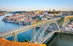 Vista de Oporto y su puente de Luis I desde Gaia. | Fotos: Shutterstock