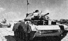 Crusader Tanks in North Africa, Thursday, 1 January 1942 Crusader Tank, Afrika Korps, Tank Destroyer, Ww2 Photos, Ww2 Tanks, Military Equipment, Panzer, Armored Vehicles, North Africa