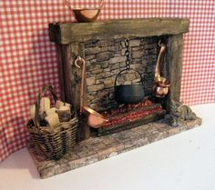 Great Absolutely Free Stone Fireplace with stove Style Poppenhuis open haard land open haard met door Insomesmallwayminis Poppenhuis open haard Haunted Dollhouse, Diy Dollhouse, Dollhouse Miniatures, Dollhouse Design, Country Fireplace, Cottage Fireplace, Fireplace Stone, Rustic Fireplaces, Miniature Kitchen