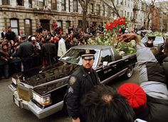 90shiphopraprnb:  The Notorious B.I.G.'s Funeral, 1997