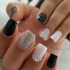 Semi-permanent varnish, false nails, patches: which manicure to choose? - My Nails Fall Acrylic Nails, Acrylic Nail Designs, Black Gel Nails, Square Acrylic Nails, Stylish Nails, Trendy Nails, Casual Nails, Diy Ongles, Short Square Nails