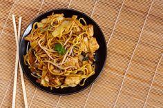 noodles de pollo y verduras