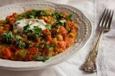 cari chou-fleur carotte pois chiche lentille quinoa Guacamole, Salsa, Curry, Chicken, Ethnic Recipes, Food, Couscous, White Bean Soup, Cooking Food