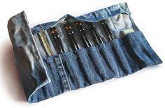 COME RICICLARE I VECCHI JEANS - Cosa c'è di più eterno dei jeans, e se non possiamo più indossarli è semplicemente perché o sono passati di moda o perché n