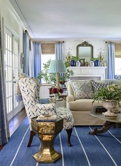 Design Crush: Heather Chadduck Interiors - The Glam Pad Heather Chadduck Interiors David Hillegas Birmingham Alabama 2019 Southern Living Idea House Beautiful Flower magazine blue and white traditional style Home Decor Styles, Room, Room Design, Living Room Decor Traditional, White Decor, Home Decor, Country House Decor, Interior Design, Living Decor