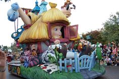 Disneyland Paris Alice in Wonderland | Alice in Wonderland float at Disneyland Paris, photo by Kate