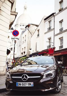 Explore modern backyards and the historic alleyways of Paris with the Mercedes-Benz CLA Shooting Brake. Click through to get the inside scoop on this exploration.